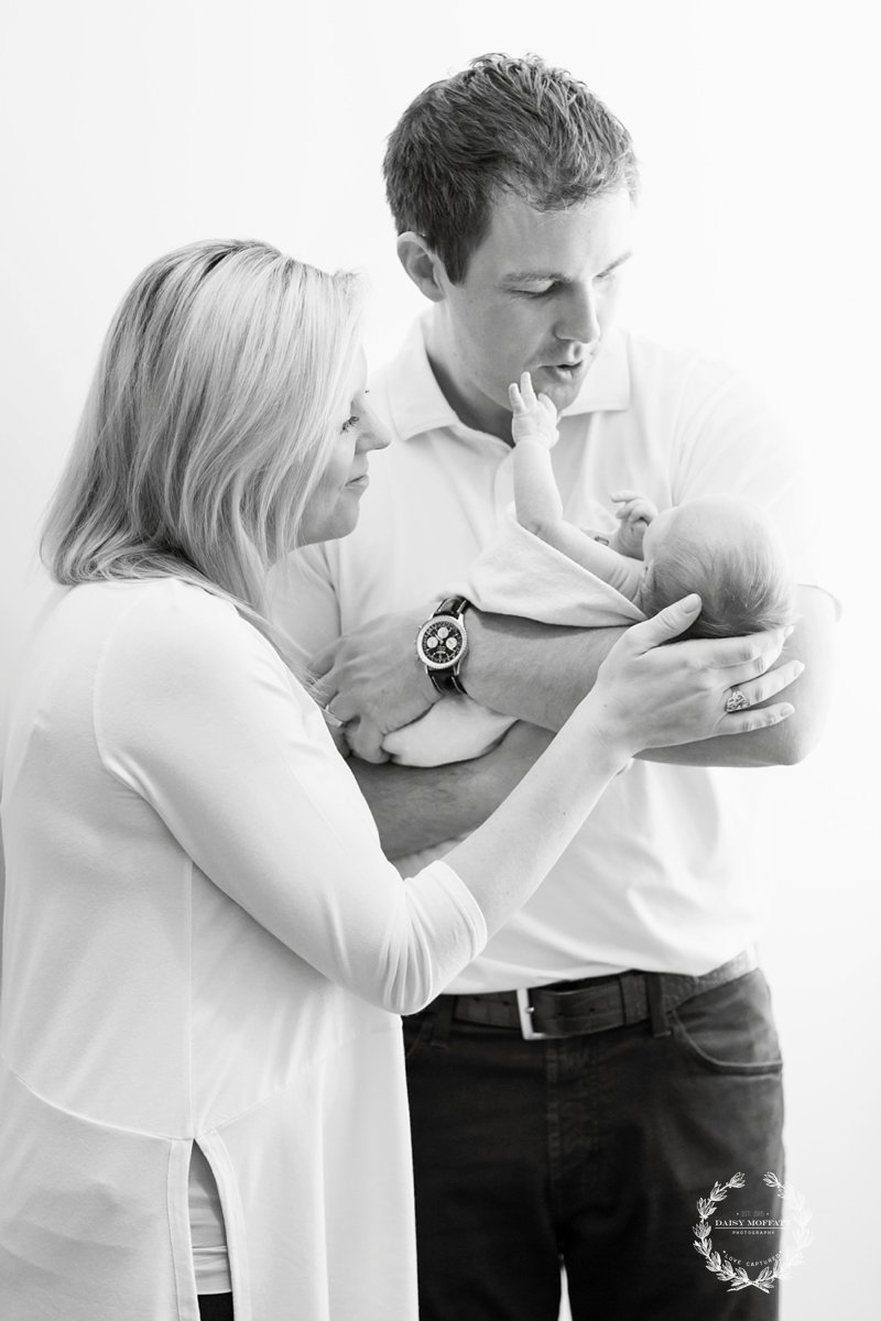A sweet newborn session with Chattanooga photographers Daisy and Beau